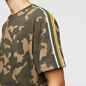 Zara Shoulder Stripe Camo Tee Size XL